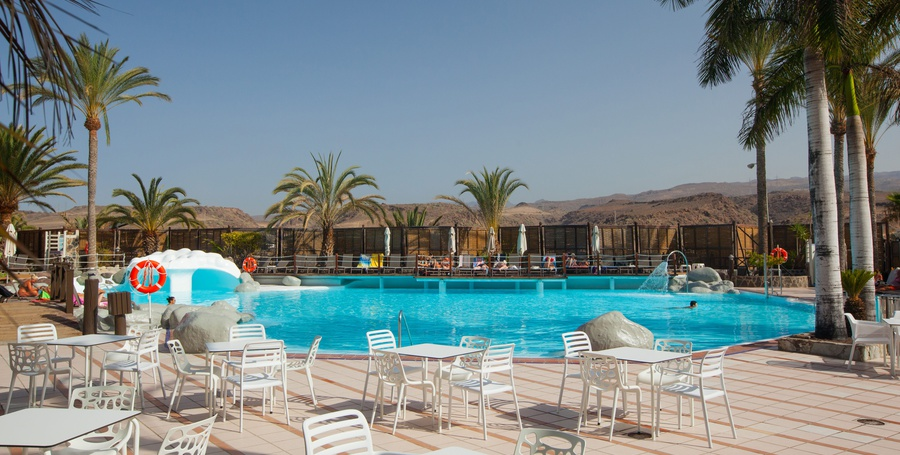 Bar piscina abora continental by lopesan hotels gran canaria